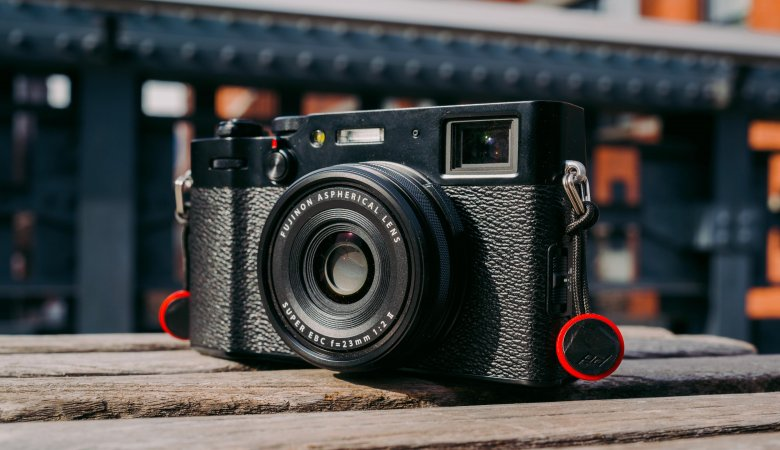 Best Compact DSLR With Touchscreen Reviews